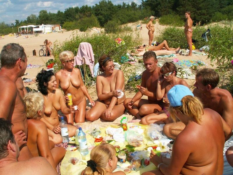 фото пляж свингеры